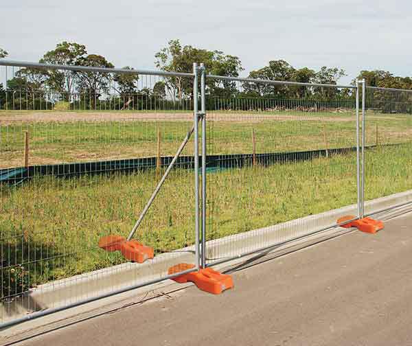 thumb_temporary-fencing-panels-F1